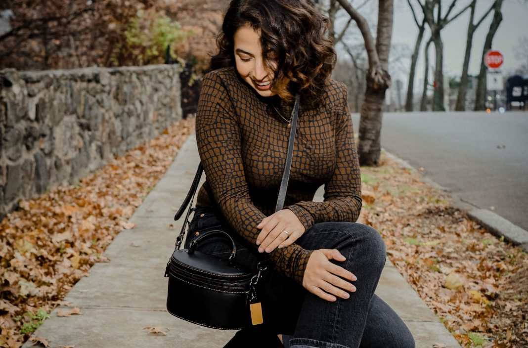 Jersey printed turtlenecks are my latest obsession. They're perfect for adding interest + layering -- think cami, blazer or button up tops.