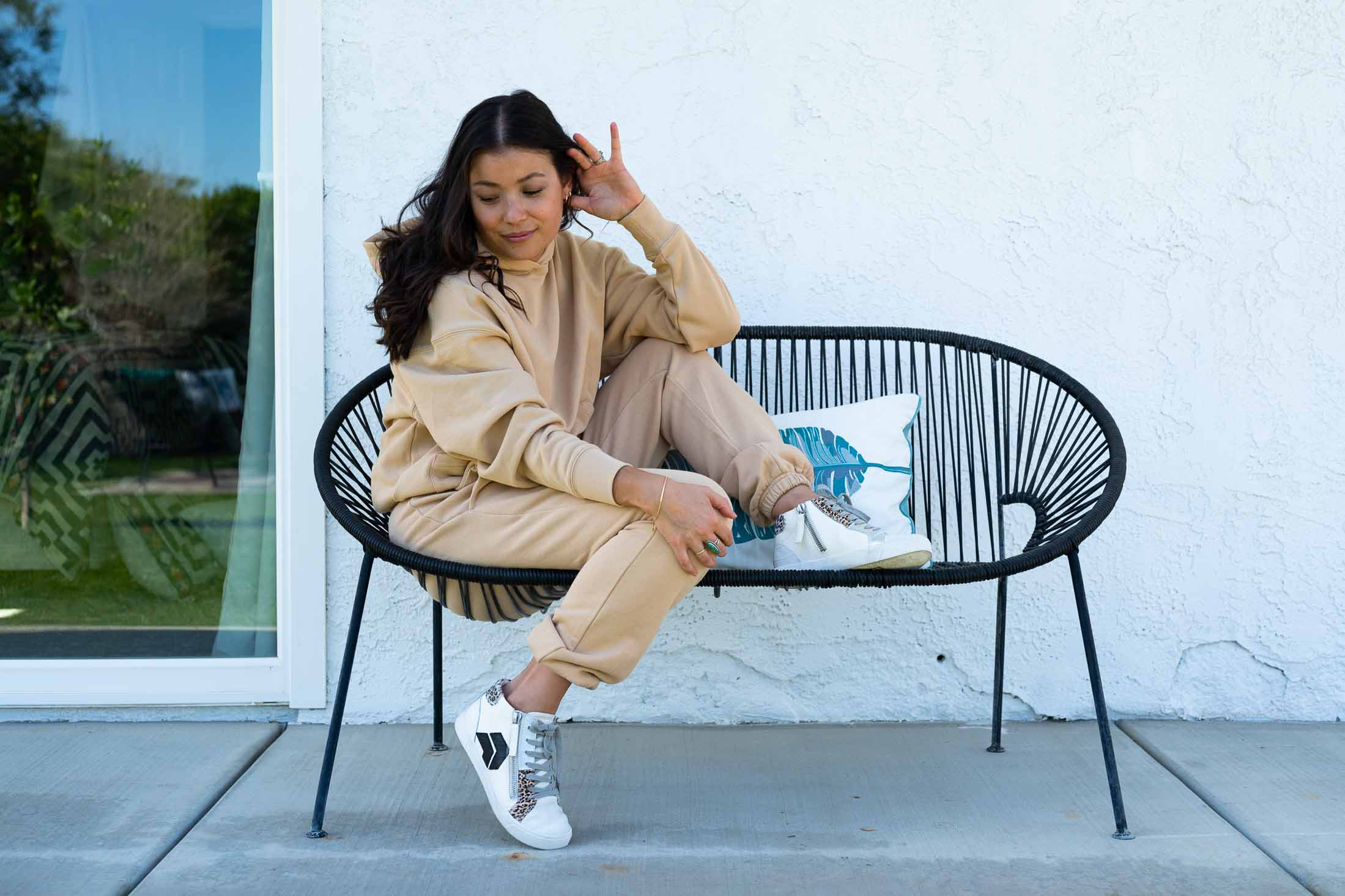 In this day of sweatsuits & house dresses I chose a casual-chic neutral color palette & elevated those sweatsuits + house dresses juuust a little w/ a flash of fine jewelry.