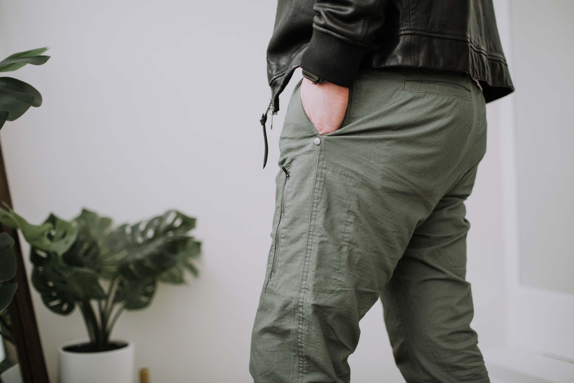The Vuori Ripstop Climber Pants are like the ultimate all-around, wear-with-everything, do-anything-in pants. They're Zack's new favorites.