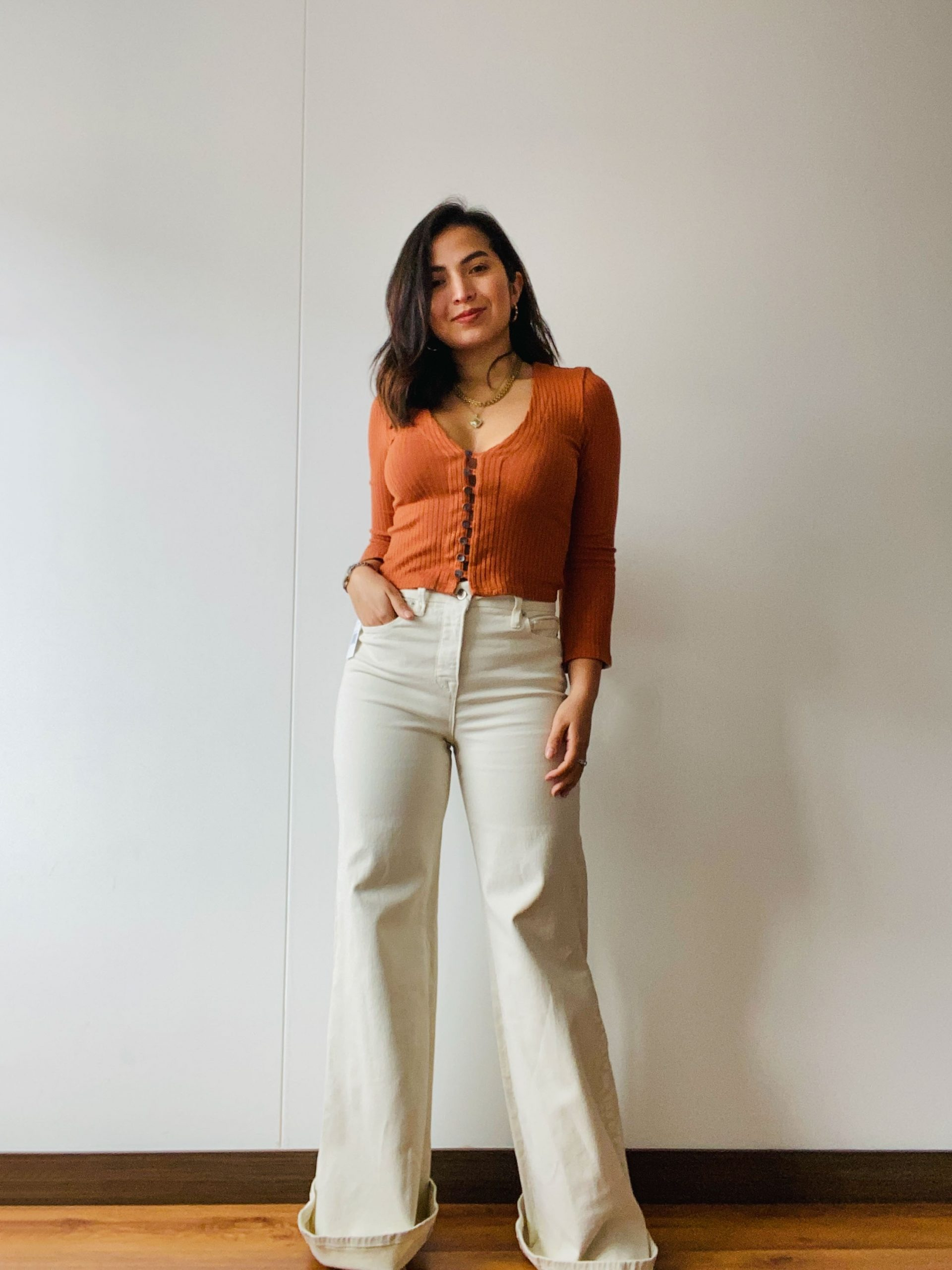With an ultra high-rise + a flared, wide-leg silhouette, we thought it'd be fun to see how Good American's Good Waist Palazzo Jeans fit ALL of us.