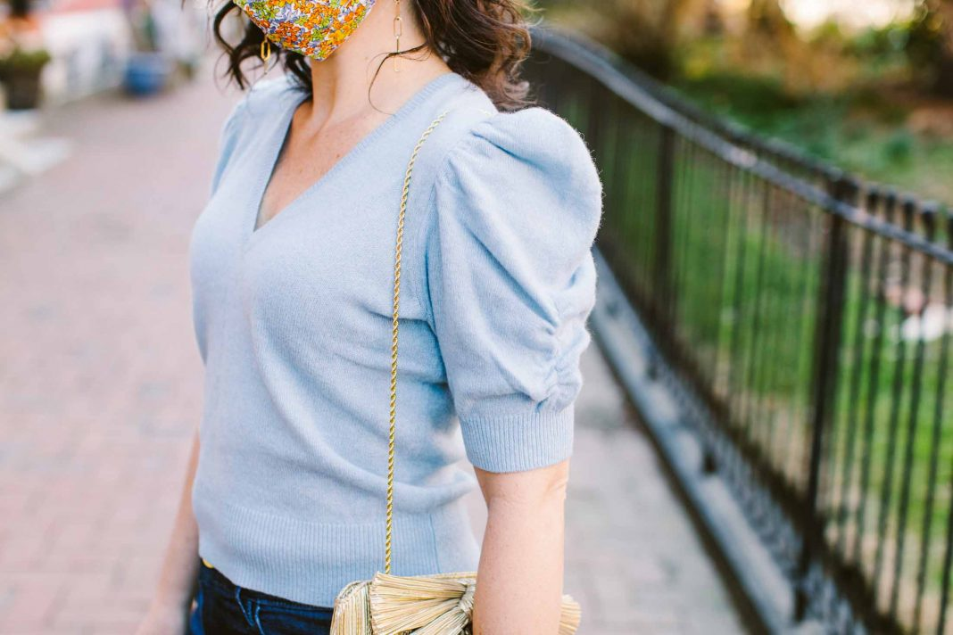 I'm crushing on a fancier look this spring (oh, hey, shiny gold purse) w/ a classic vibe for longevity. A few pearl buttons + dark wash flares always looks chic.