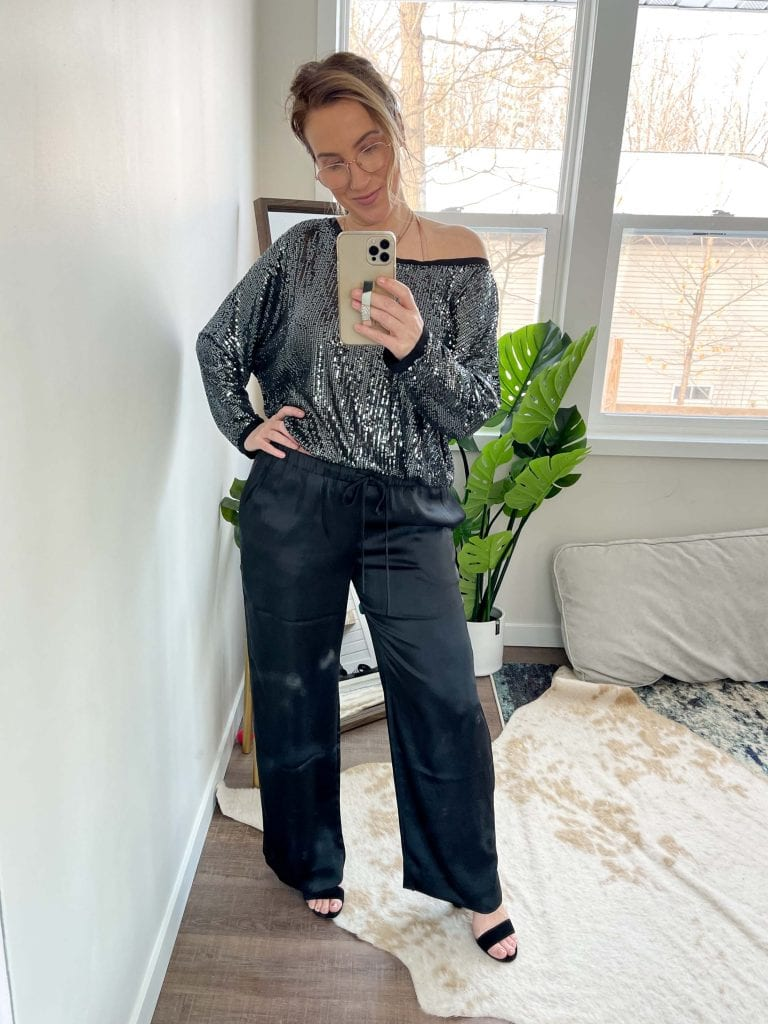 And the pants? Literally feel like wearing pj's. With the fancy look + elastic waist, these satin pants deserve a spot in my closet. Here's how I''m wearing 'em.