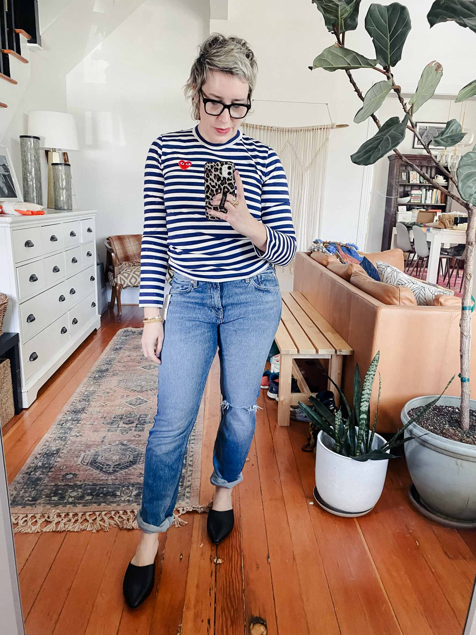 I hadn't ventured into boyfriend jeans territory in a long time. So, when better  than now to do important denim research? 5 pairs, 1 try-on sesh.