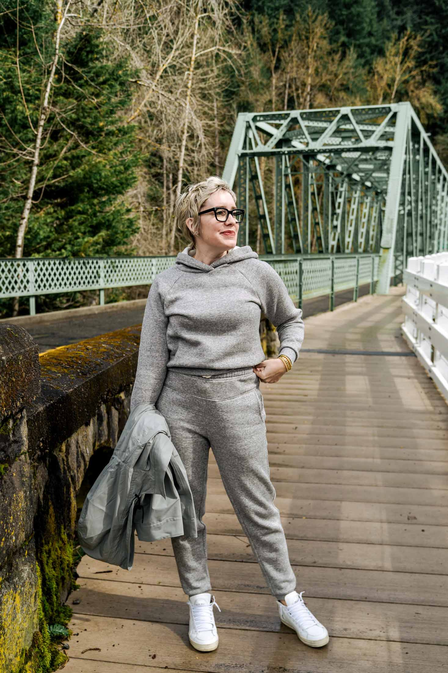 I was intrigued by this newish sweatsuit set by Madewell, from their MWL line, part of their new eco-friendly Do Well shop. But will they live up to my expectations?