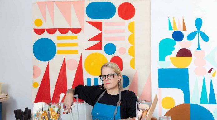 If you follow Lisa Congdon, you know that not only is her art bright, inspiring, positive + fun, & her style is too. She's a perfect candidate for a Mom Edit interview.