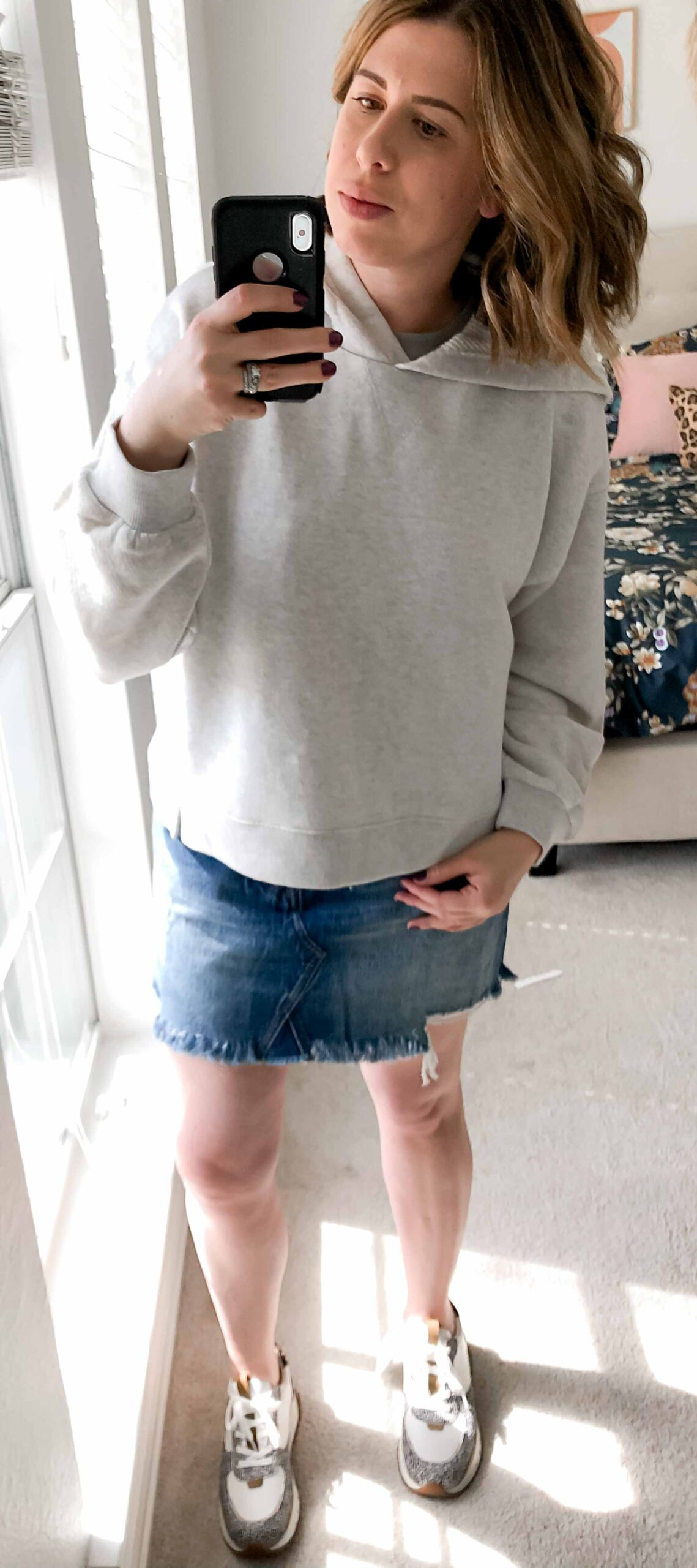 Madewell's spring arrivals are literally too amazing to resist. Denim skirts, paperbag pants, cute sneaks...Here are 5 outfits I'm loving...