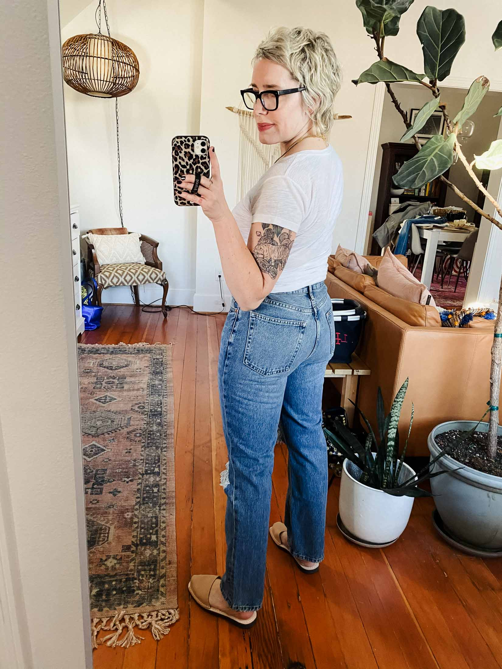 I'm on a mission to find jeans w/ the wash & distressing of my MOTHER Tomcat straight legs, but that work better w/ warm weather shoes like sneaks, sandals & flats.
