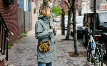 A lightweight, windproof + breathable rain jacket? Found! The perfect comfy-yet-stylish waterproof must-have is here (oh, hey North Face!) & we are big fans.