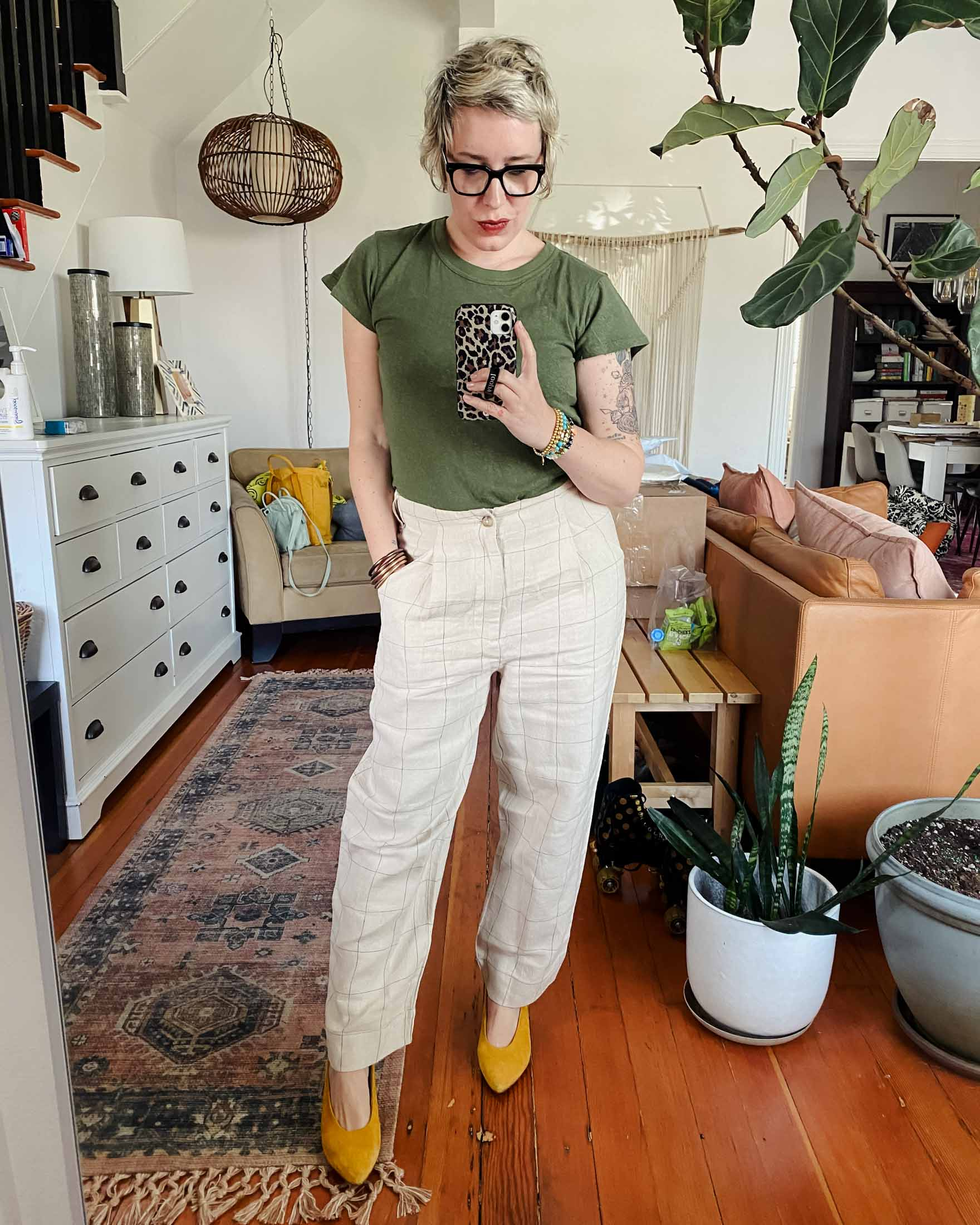 Oh Madewell. I want to love everything from them but that isn't always the case. I did find a couple things that I love: a linen house dress + vintage jeans but don't worry, I tried on more.