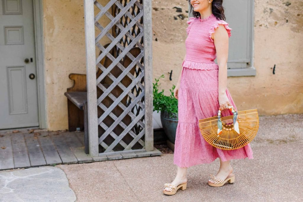If I'm getting dressed up, I like to make it count. Bring on the frilly dress, the fabulous statement bag, and the cute (but walkable) heels.