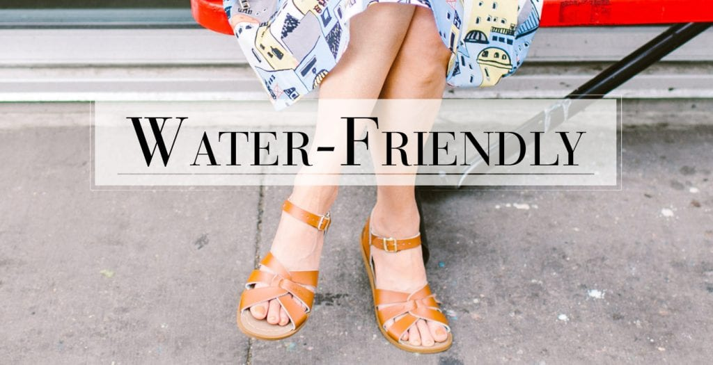 I almost exclusively wear shoes from comfort shoe brands, so finding the cutest & most stylish summer shoes is kinda my thing.