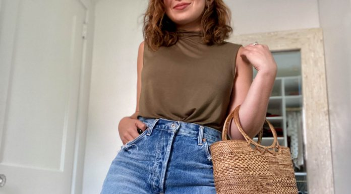 I recently did a full Agolde denim shorts try-on & fell for the Dee cutoffs. In fact, it was the one pair I kept & have been wearing on repeat ever since.