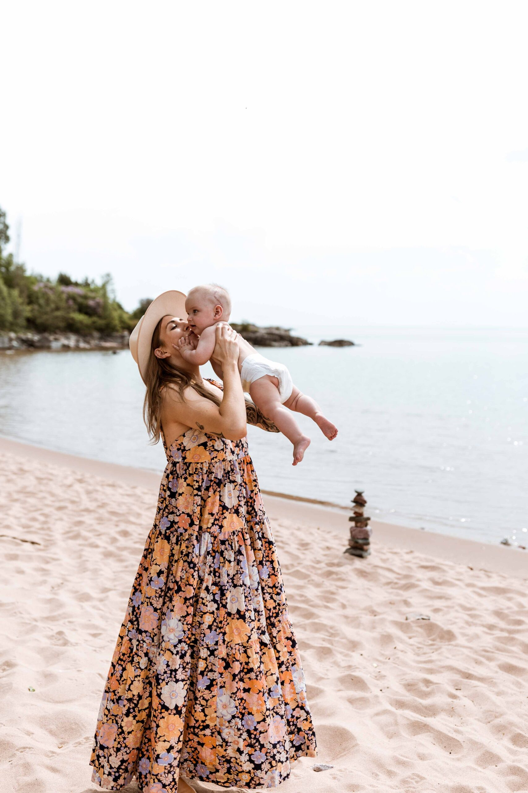 Like most Free People dresses, this 1 is perfectly bohemian, with a relaxed fit, plus a lot of fabric in order to get that swishy, swooshy, flowy goodness.