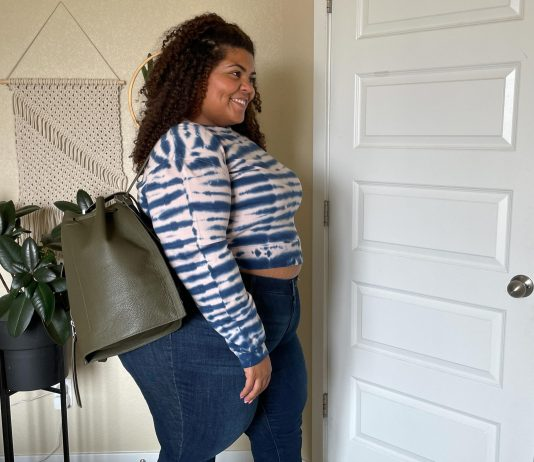 Sexy faux leather, a sweet sweater dress, smokin' boyfriend jeans cuffed & paired w/ loafers...a taste of plus-size #NSale try-ons in 5 cute moments. Think: mermaid vibes.