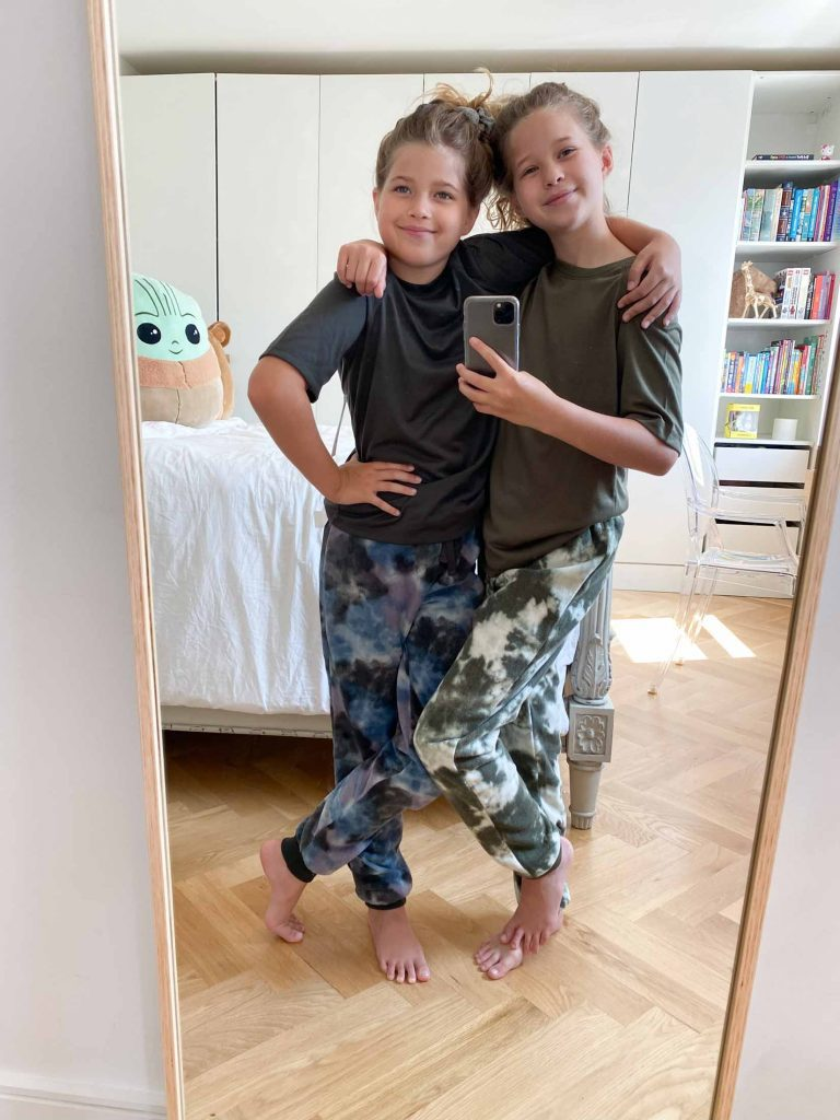 These kids are obsessed w/ bike shorts, cargo pants, tie-dye, utility boots, moto booties, puff sleeves, graphic concert tees, cozy loungewear + all the gender fluid athleisure in the #NSale. Your tweens too?