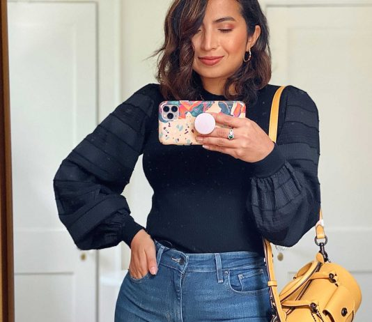 Is Club Monaco's balloon sleeve top the perfect statement top? Cool pattern & texture, shoulder definition + fabulous, forgiving knit. Let's style it up.