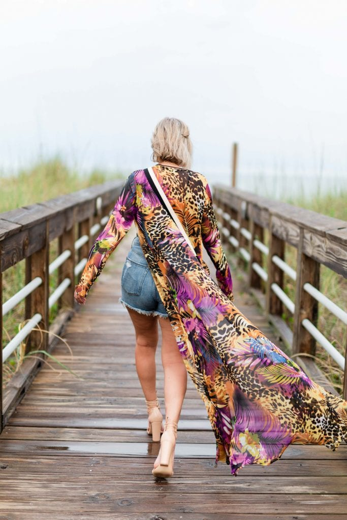 My fav beach outfit really is the perfect outfit for summer travel. I swap my sandals out for sexy heels, throw on a colorful duster, add some jewelry & I'm ready to go.