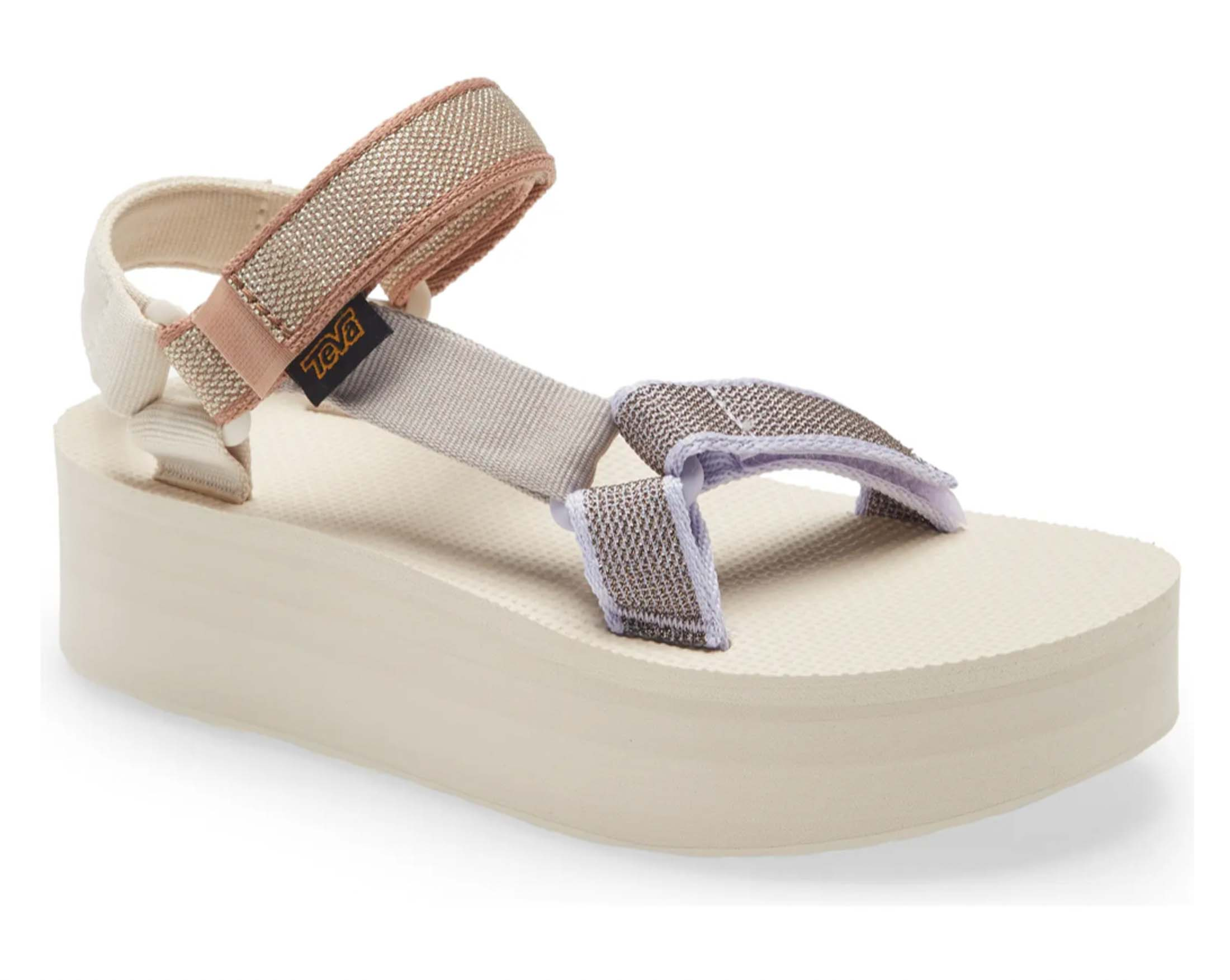 It's no secret that Teva is one of the most iconic brands and they have mastered the flatform sandal. The metallic flatform sandals are pretty and made from eco-friendly REPREVE® recycled polyester.