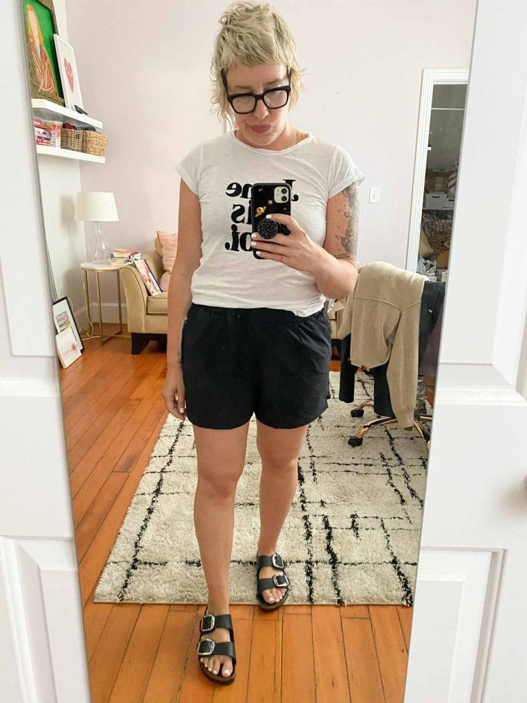 As someone who has a strong booty & thighs, but a shorter lower torso, I've always had a hard time finding elastic waist pants + shorts that fit well.
