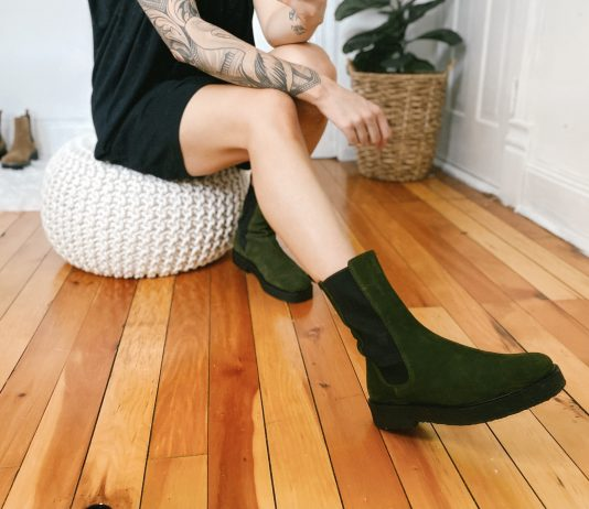 These Staud Chelsea boots are a bold, unique color—the darling of a warm, neutral fall wardrobe. They are the star of the show + a neutral outfit really lets them be the focal point.