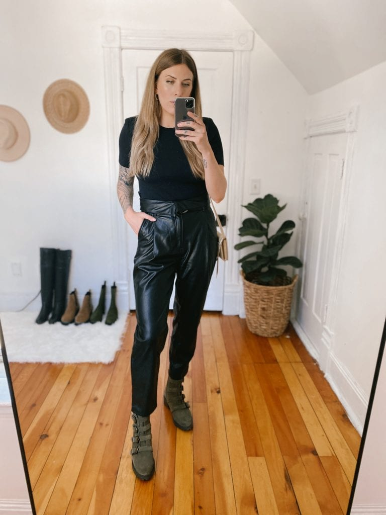 The Open Edit faux leather trousers are probably the item I am most surprised about. I threw them in my cart just for the fun of it, but I think I love them. The trousers are thick and warm.