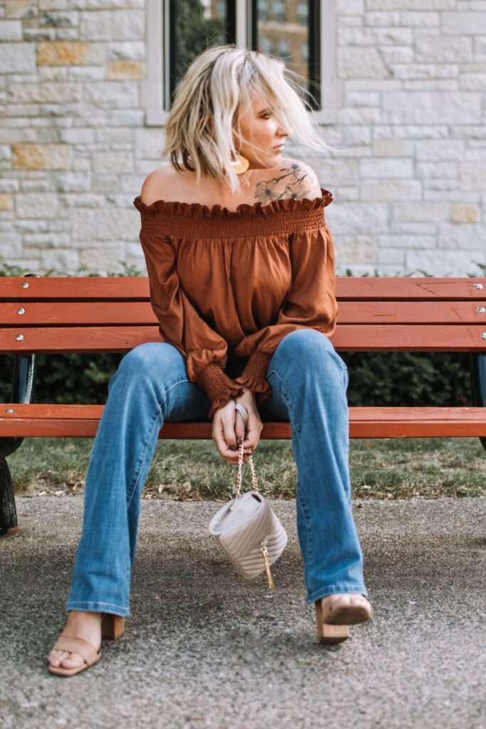 I've long been a fan of dressing up jeans w/ a fancy off-the-shoulder top + statement earrings. It's an outfit that's pretty much foolproof: perfectly casual, but just a li'l extra.