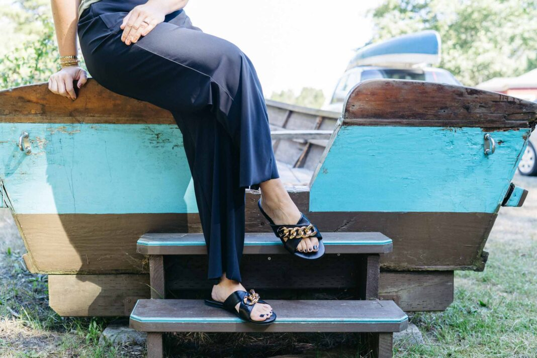 These black Athleta wide-leg pants are the perfect versatile pants that go anywhere. How many pants go to the office AND camping? Yup. These are good.