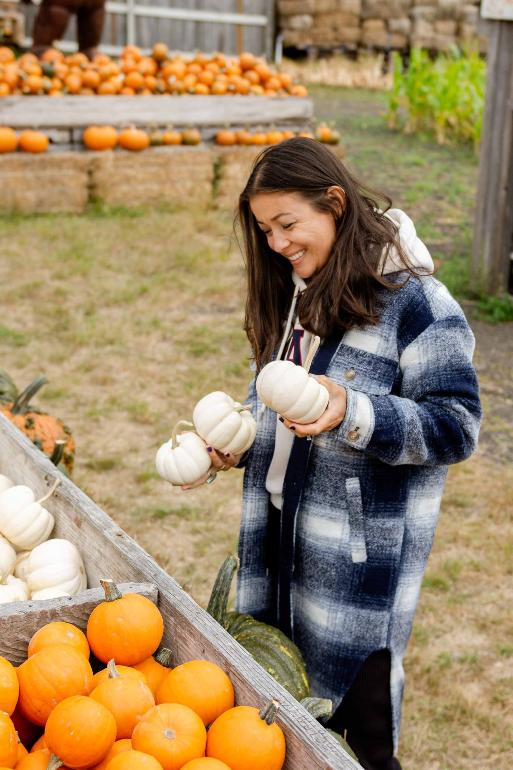 To the rescue: an outfit that pairs cozy fall textures & patterns with easy silhouettes practical enough for the pumpkin patch & wheelbarrow races through the fields -- all while nailing that quintessential fall vibe.