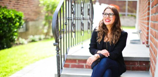 Nancy is a bilingual, Spanish-speaking Ecuadorian-American raising her bilingual son in New York. She's a childhood educator, meditation guide + children's book author.