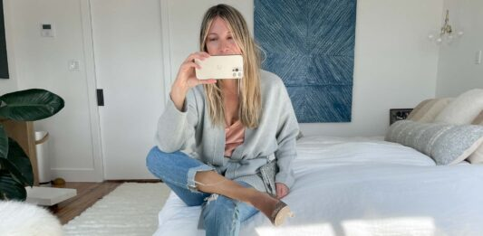 I'll wear this luxe, belted cashmere cardigan for years. So versatile. I've styled 'em with jeans, shorts, trousers, leggings, maxi dresses, mini dresses, midi dresses...So. Here are 8 ways I'm planning to wear this 1.