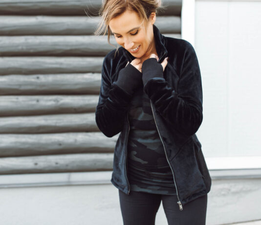 In regular, petite & tall sizes XXS-3X, Athleta Altitude tights are the pants that cold-climate mamas NEED. The fabric is thicker than regular leggings & they're incredibly soft + comfortable.