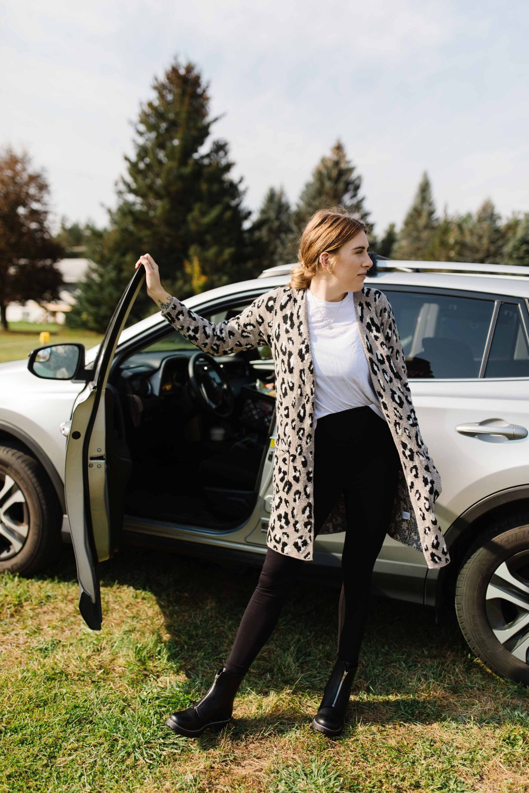 After finding the Car Coat Cardigan, everything else fell into place. I found the perfect solution for my road trip outfit -- magical leggings, versatile boots & a cool graphic tee.