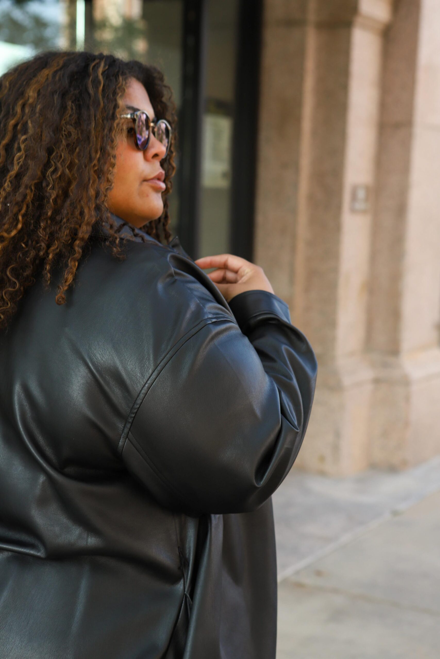 I love that jackets elevate every outfit! As soon as the temps drop, you'll find me rocking all the jackets: jean jackets, shirt jackets (shackets?), leather jackets & now..leather shackets!